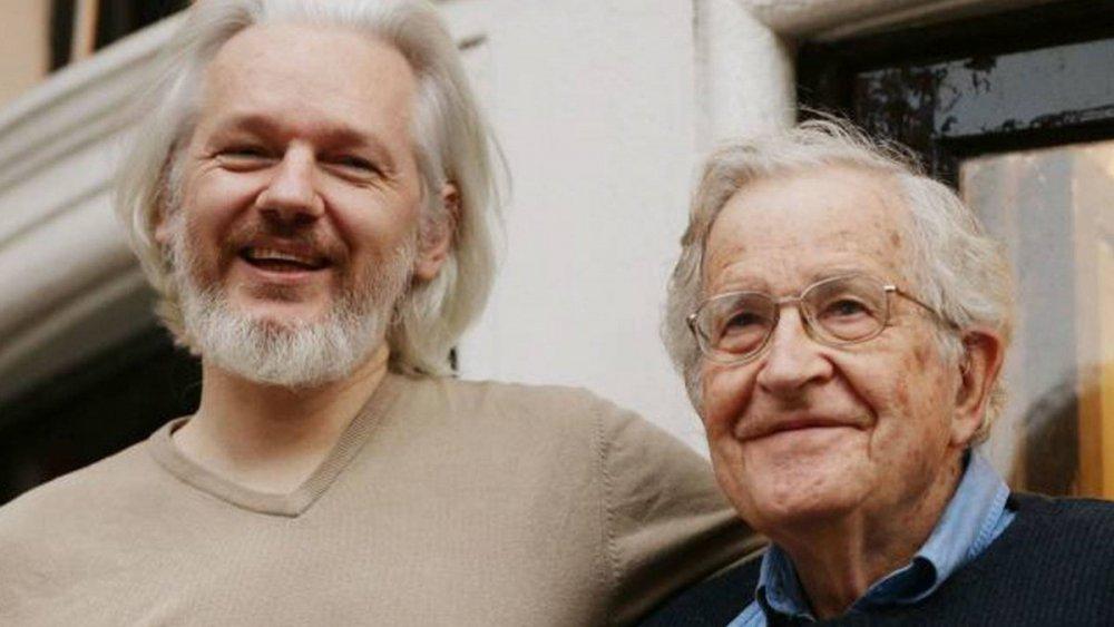 Chomsky-Assange.jpg